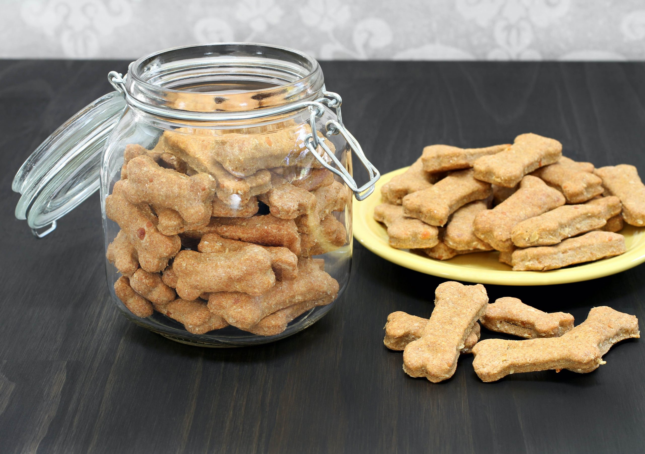 Homemade Peanut Butter Cookies for Dogs